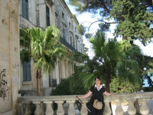 Tatiana, exterior and garden of the Palace of St. Michael and St. George.