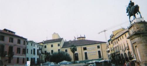 Gattamelata statue by Donatello, Piazza del Santo, Padua.