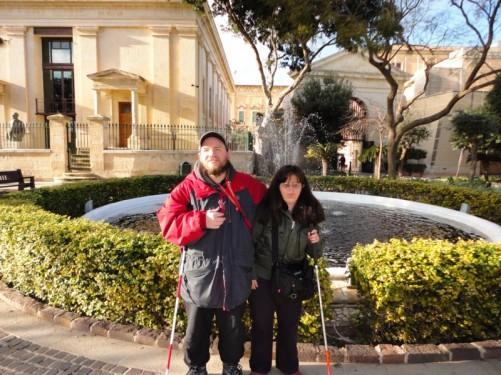 Tony and Tatiana by the central fountain in the Upper Barrakka Gardens.