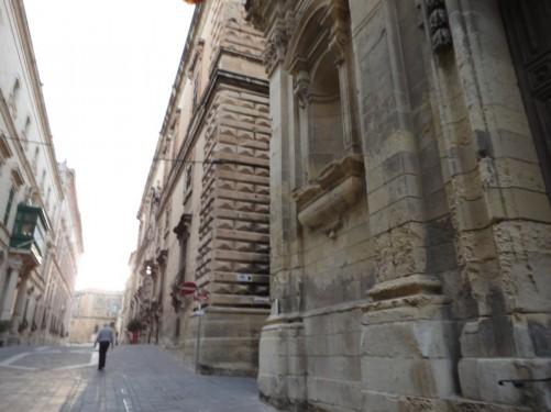Grand buildings on Zachary Street (Triq Iz-Zakkarija), which is between Republic Street and Merchants Street.