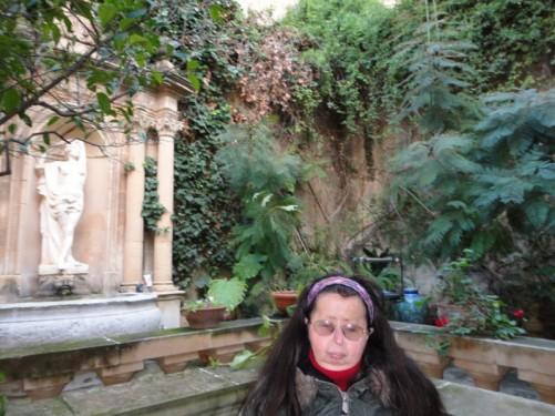 The courtyard garden of the Casa Rocca Piccola.