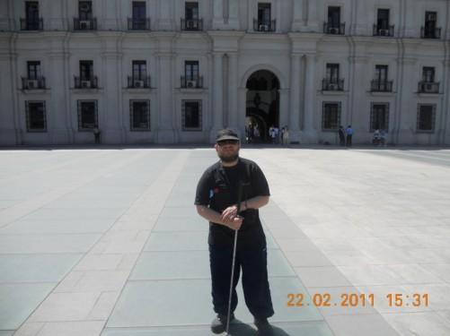 Tony outside the Moneda Palace (Palacio de la Moleda).