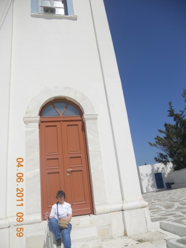 Another view of Naoussa church.
