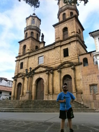 Tony in front of Santa Cruz Cathedral in Parque la Libertad, which is San Gil's main square. The cathedral was built in 1791 and remodelled in 1965.
