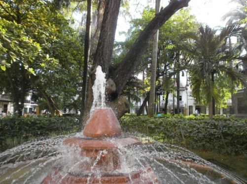 Water spraying from the top of a fountain in Plaza de Bolívar.