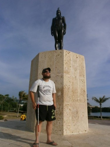 A statue of India Catalina in a square with the same name. It was sculpted by Eladio Gil Zambrana in 1974.