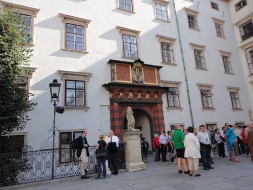 Crowd of tourists at Swiss Gate (Schweizertor).