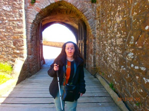Tatiana at the gateway into the castle.