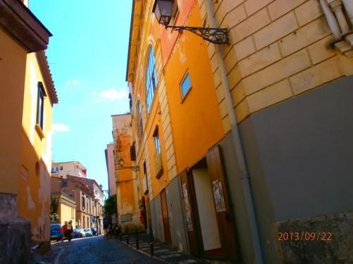 A narrow street next to the parish church in Sant'Agnello.
