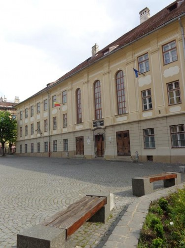 Samuel von Brukenthal College at the southwest side of Huet Square. This is the oldest German school in Romania, built in place of a former 14th-century school. The present building was erected in the 18th century.