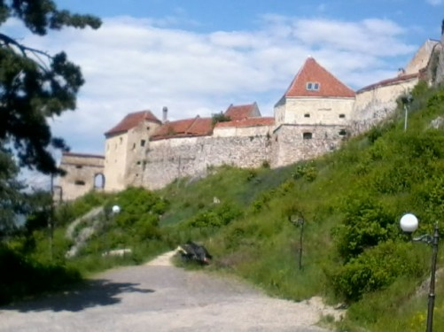 Stone walls outside Râșnov Fortress.