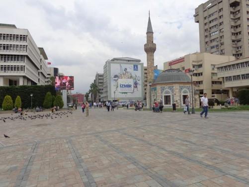 Looking north from Konak Square along pedestrianised Cumhuriyet Bulvari (Republic Boulevard).