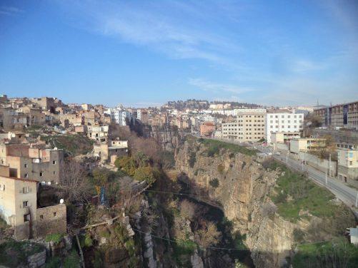 Striking view into the ravine from near the Salah Bey Bridge.