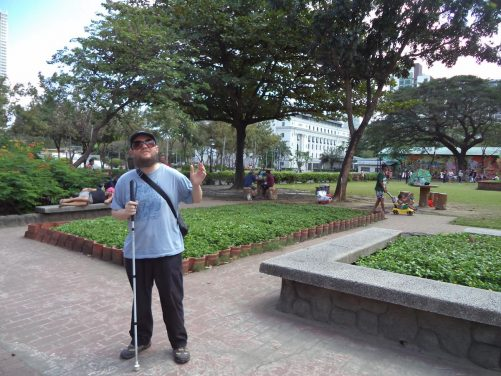 Tony in Rizal Park, which is named in honour of José Rizal, Filipino national hero and revolutionary. He was executed by the Spanish in 1896.